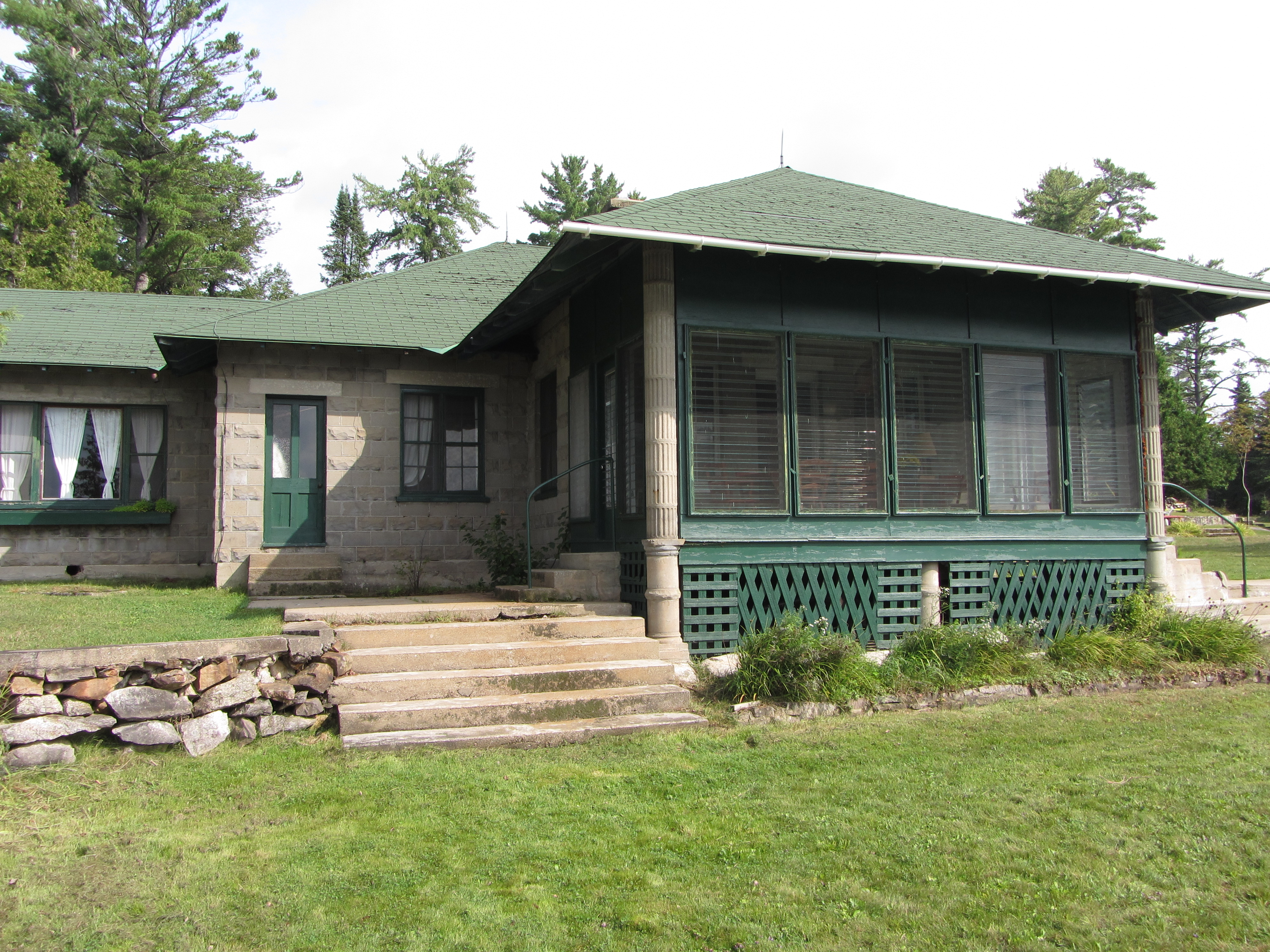 springs honeymoon cottages welcome to cabins beaver suites cottage unit view living eureka lake and